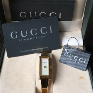 Vintage Gucci Gold Tone 1500L Watch Papers/Box